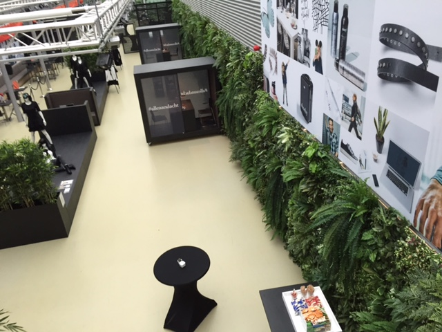 80m² Groenwand op hoofdkantoor Shoeby fashion