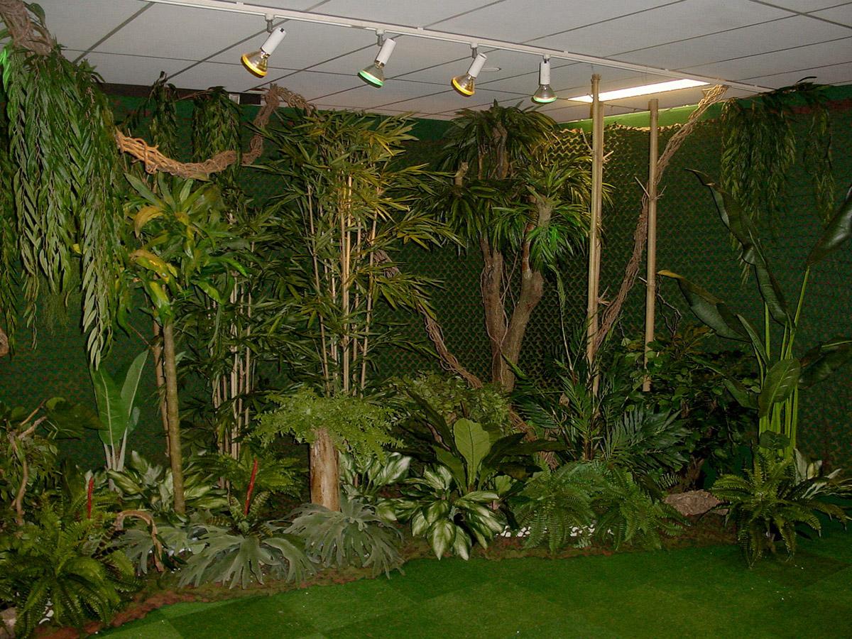Een jungle?? Geen probleem, wij hebben bijna elke plant in kunst. Hebben we hem niet in de collectie dan maken wij hem!