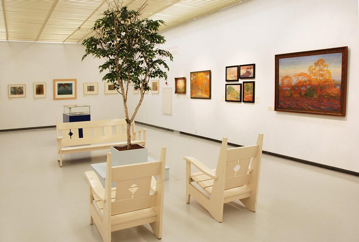 Deze Berk kunstboom is geplaatst in een museum. Een locatie met geen daglicht en waar echte beplanting niet is toegestaan i.v.m. ongedierte.
