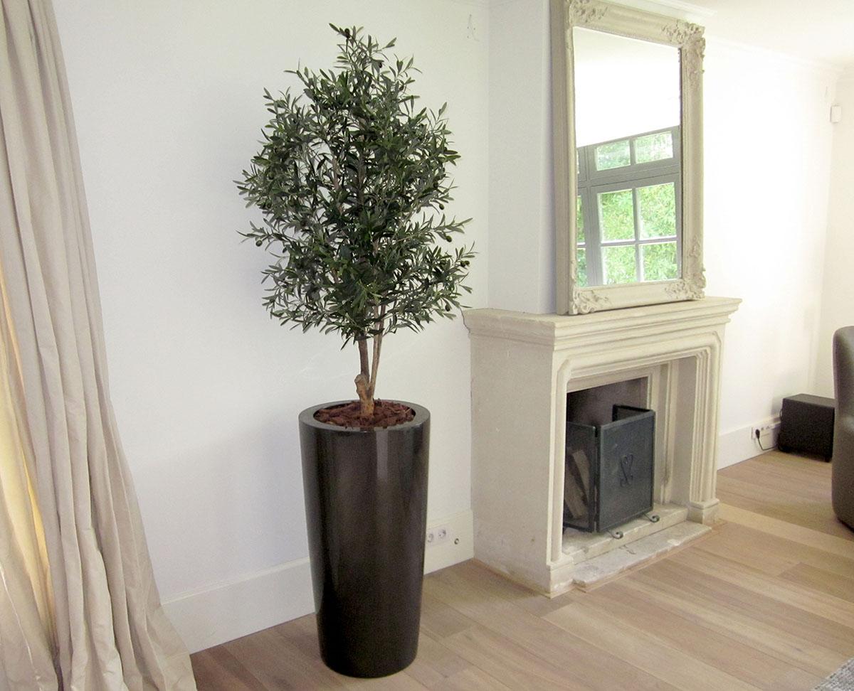 Olijf kunstboom in keramiek zwartglans pot.